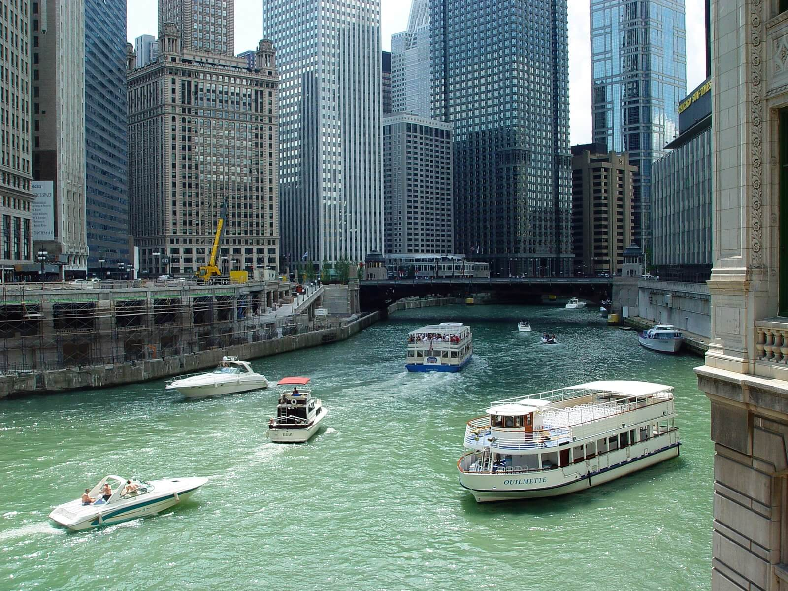 Where is the best area to stay in chicago for Best hotel location in chicago