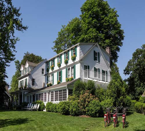 Where Is The Best Area To Stay In The Hamptons Ny