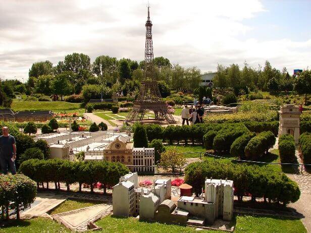 France Miniauture Paris Kids