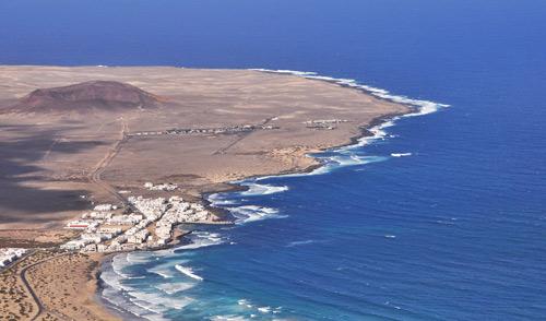 Playa-Famara-and-La-Santa