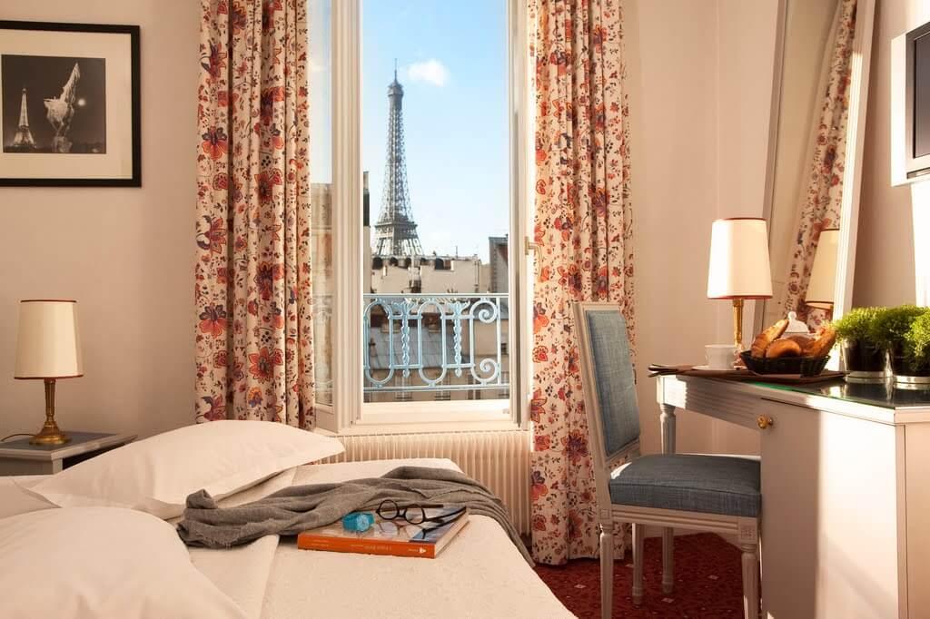 Vista de la Torre Eiffel desde la habitación del Hotel Jardins Eiffel Paris