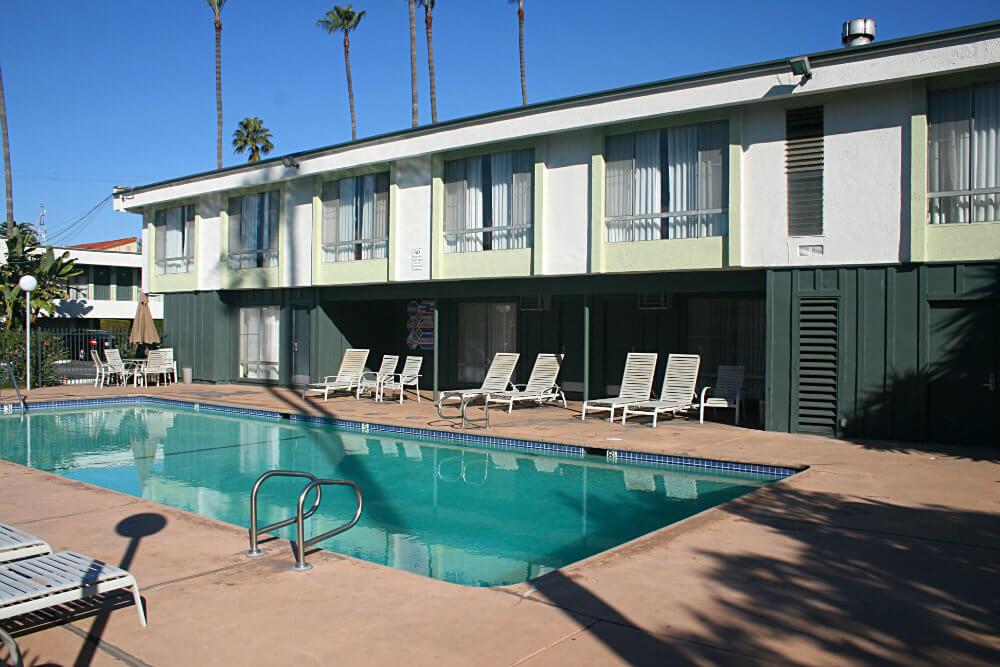 La piscina del motel Los Angeles Vagabond Inn