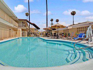 5 moteles buenos y con piscina en los ngeles for Piscina miami granada
