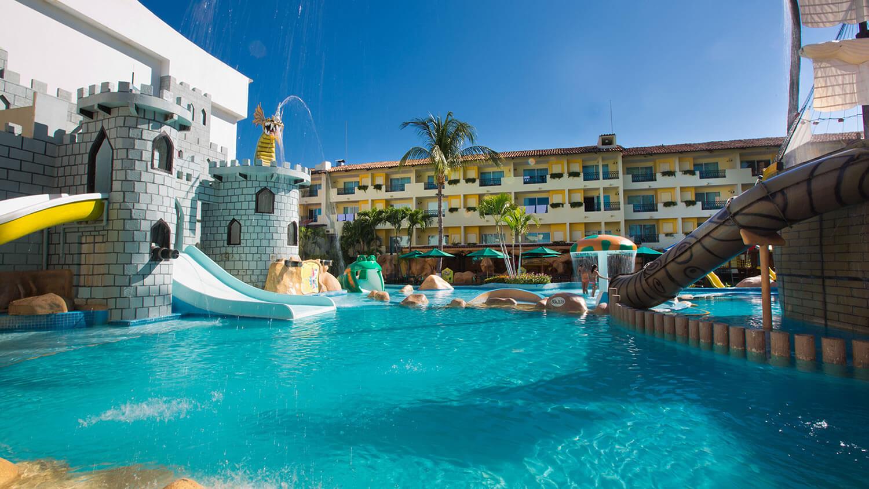 Hotel en Cancún con parque acuático para niños