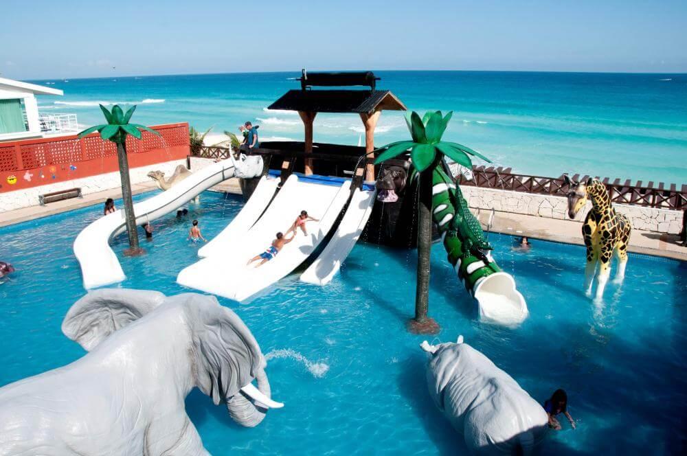 Hotel con toboganes en Cancún