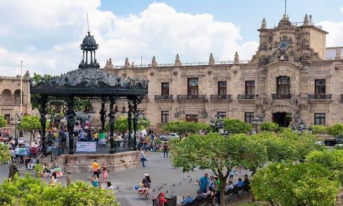 Plaza de Las Armas, Guadalajara, México