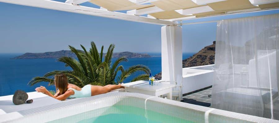 Hotel en Santorini con jacuzzi al aire libre