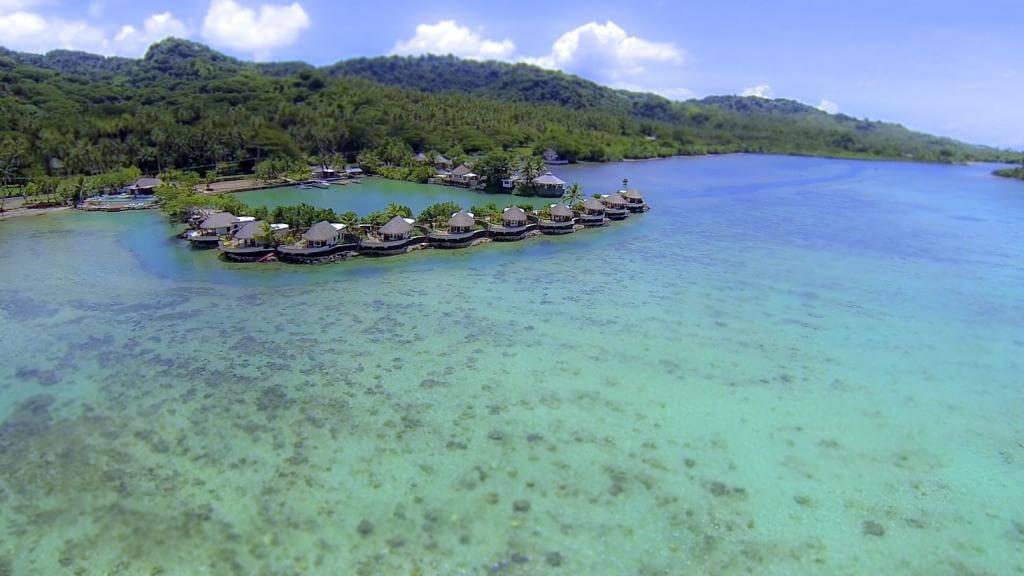Hotel sobre el mar en las Islas Fiji