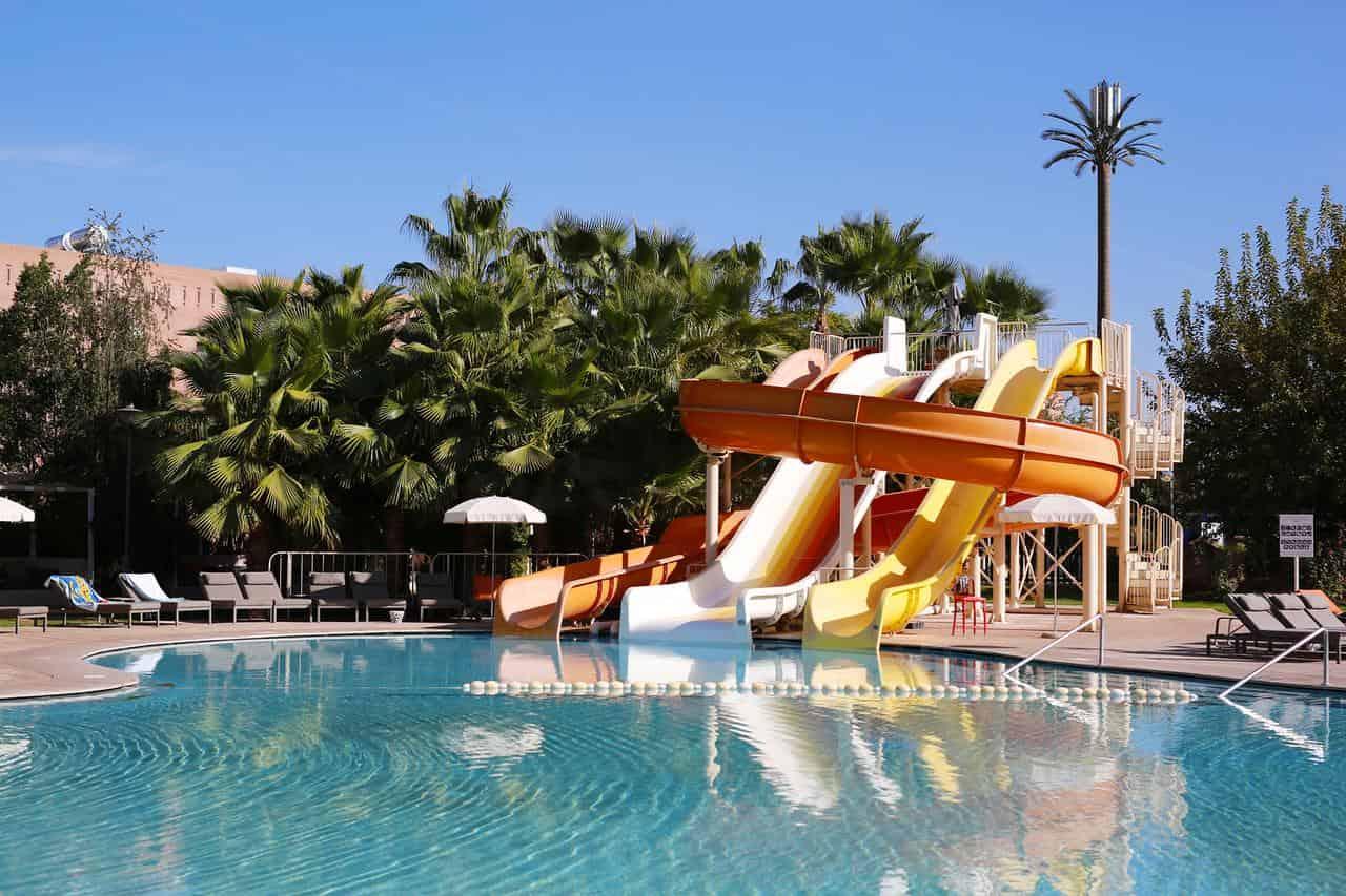 Hotel en Marrakech con toboganes para niños