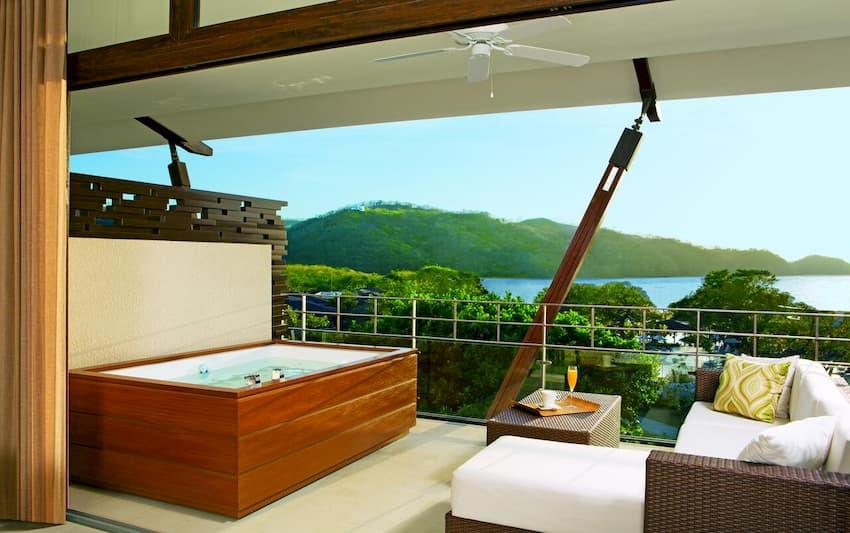 DreamsJacuzzi en la habitación del hotel Las Mareas Resort & Spa